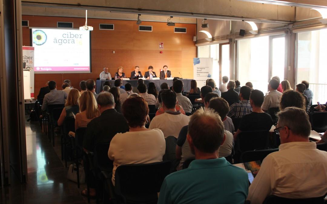 La Ciberàgora 2016 reuneix un centenar de persones per a debatre sobre la seguretat en la gestió intel·ligent de l'aigua