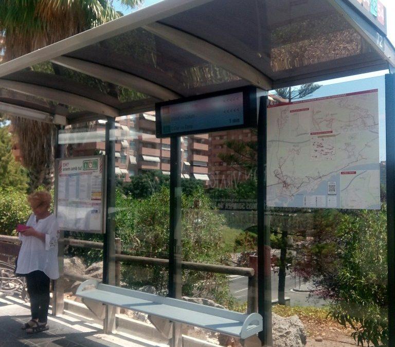 Instal·lats els primers panells d'informació a les parades d'autobús de l'EMT a Tarragona
